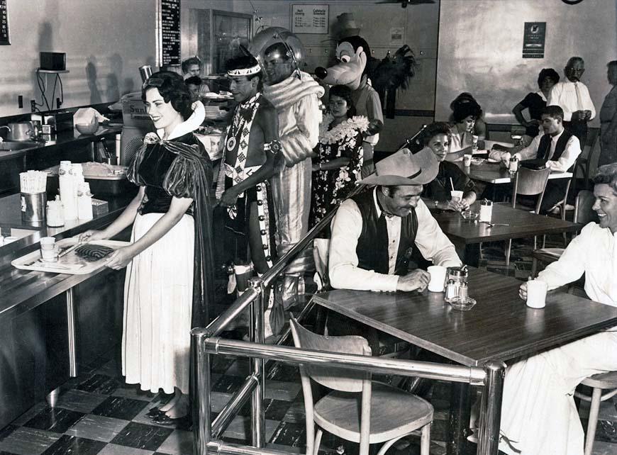 cafetaria des employés disneyland 1961
